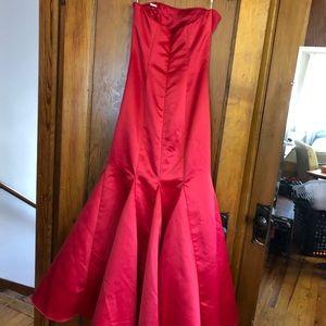 Jessica McClintock Dresses - prom/formal dress